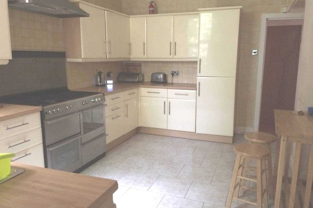 Thumbnail Shared accommodation to rent in Newsham Drive, Liverpool