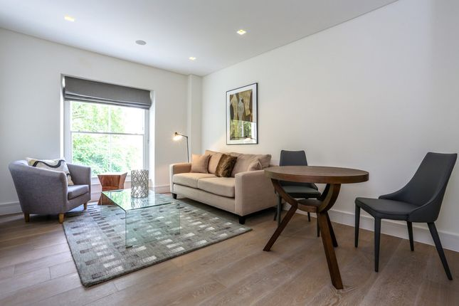 1 bed flat to rent in Prince's Square, London