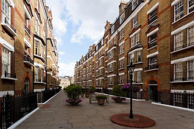 Flat in  Walton Street  London  Chelsea