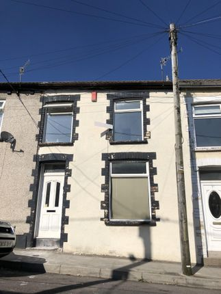 3 bed property to rent in Maddox Street, Blaenclydach, Tonypandy CF40