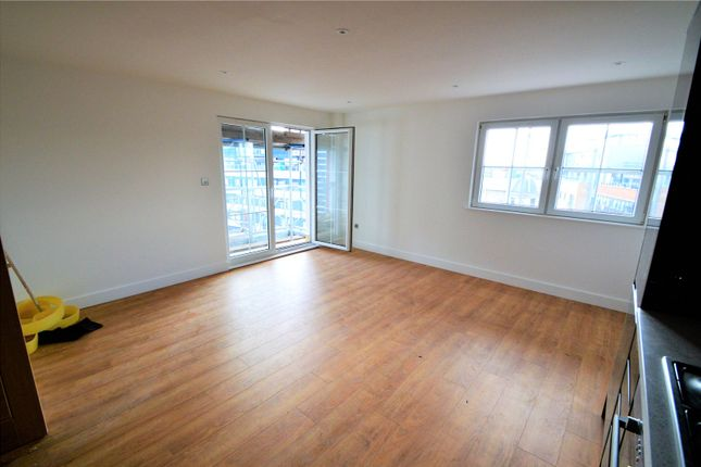 Thumbnail Flat for sale in Mint Walk, Croydon