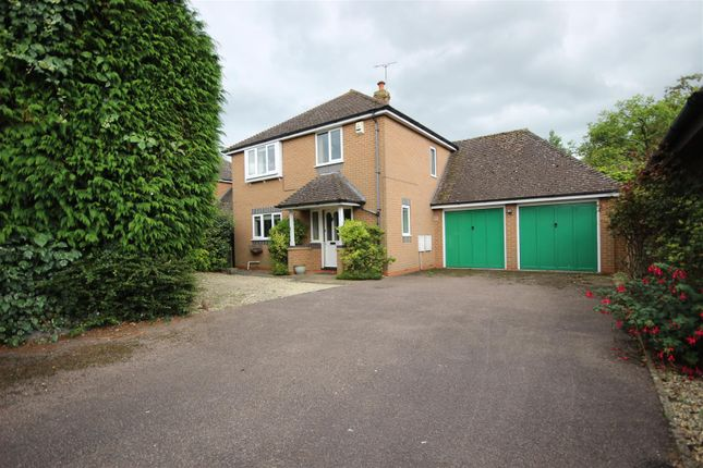 Thumbnail Detached house for sale in Glynswood, Chinnor