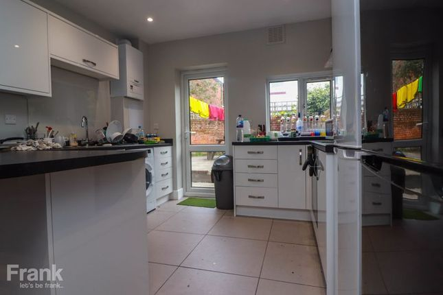 Thumbnail Semi-detached house to rent in Coventry Road, Shirley, Southampton