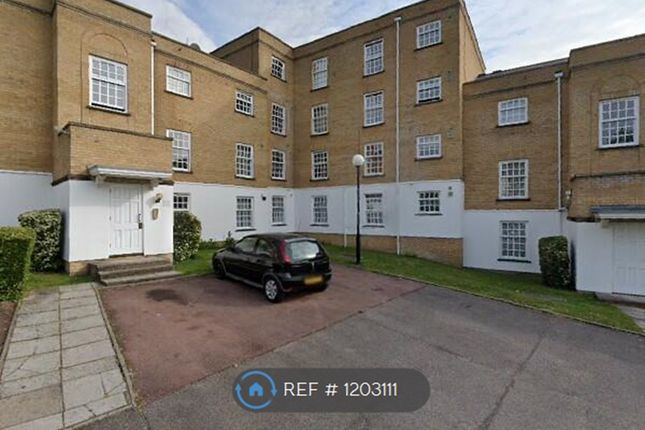 Thumbnail Flat to rent in Leigh Hunt Drive, London