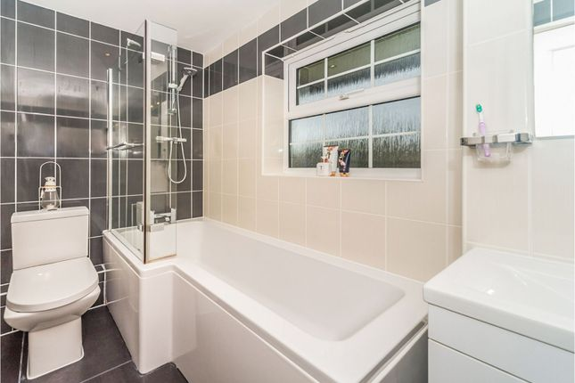 Family Bathroom of Welwyn By Pass Road, Welwyn AL6
