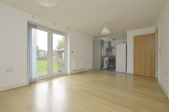 Thumbnail Flat to rent in Romside Place, Romford