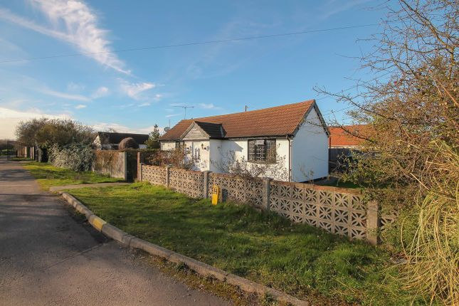 2 bed detached bungalow for sale in Mayscot, Meadow Way, Wickford