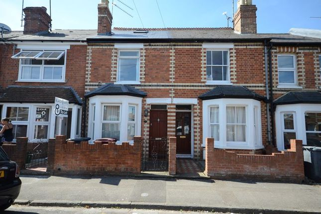 Thumbnail Terraced house to rent in Kings Road, Caversham, Reading