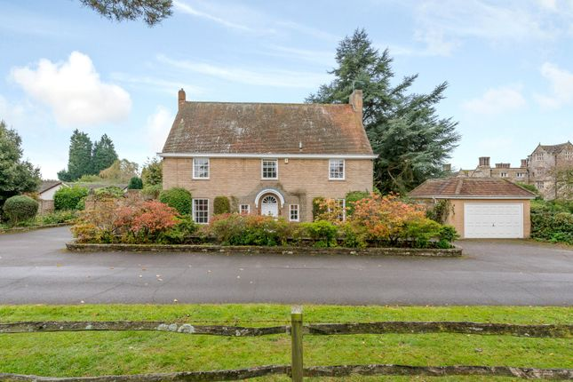 Thumbnail Detached house for sale in Denne Park, Horsham, West Sussex
