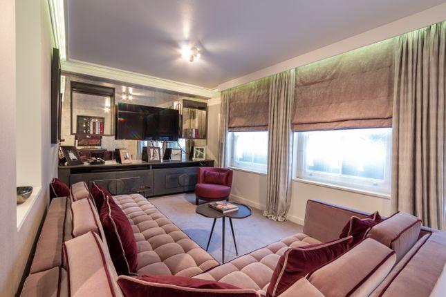 Thumbnail Mews house for sale in Montpelier Walk, Knightsbridge
