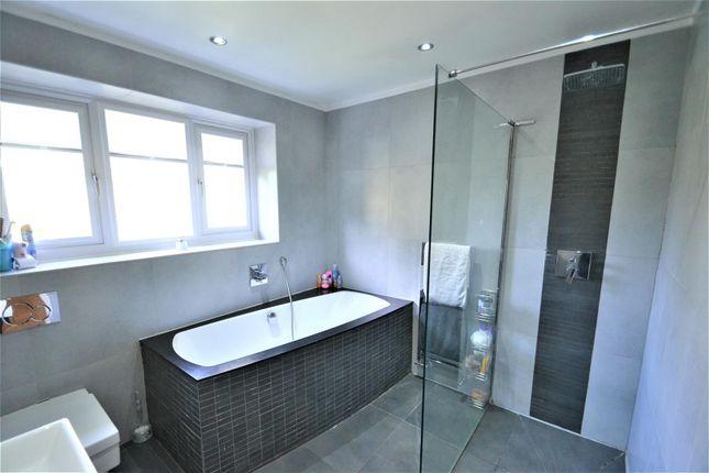 Family Bathroom of Beckside, Tyldesley, Manchester M29
