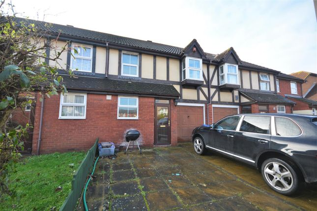 Thumbnail Town house to rent in Mortlake Drive, Mitcham