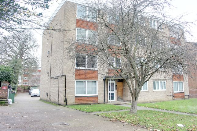 Thumbnail Flat to rent in Bramley Hill, South Croydon