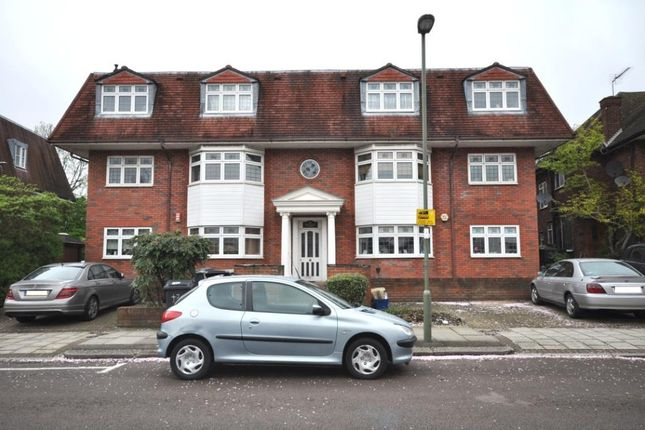 Thumbnail Flat to rent in Neeld Crescent, London
