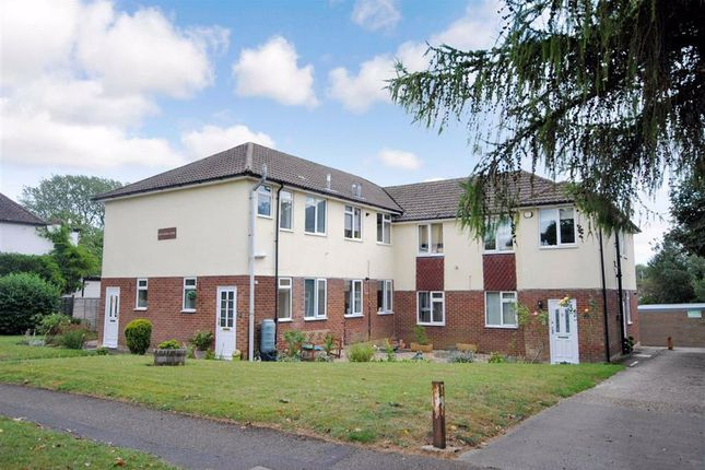 Thumbnail Flat for sale in Alexandra Court, Rothschild Road, Linslade