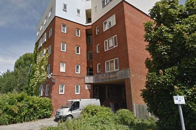 Thumbnail Flat to rent in Canal Walk, Portsmouth