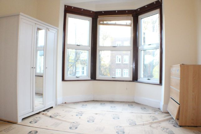 Thumbnail Terraced house to rent in Fairlop Road, Leytonstone