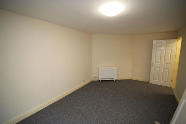 Thumbnail Flat to rent in South View, Tiverton