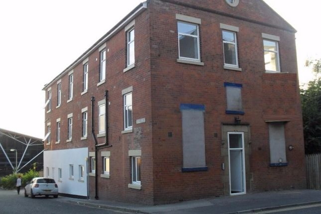 Thumbnail Flat to rent in Bow Lane, Preston