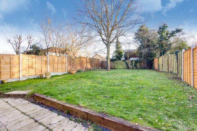 4_Garden-0 of Carew Close, Chafford Hundred, Grays RM16