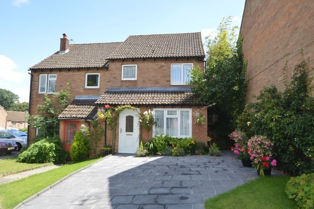 Thumbnail Semi-detached house for sale in George Close, Marlow
