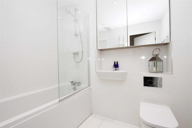 Bathroom of Pennyroyal Drive, West Drayton UB7