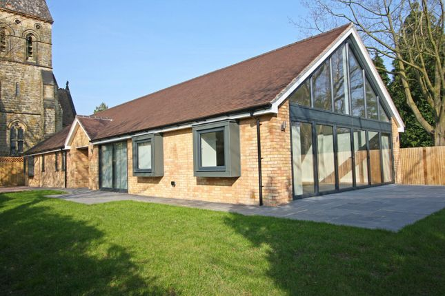 3 bed detached bungalow to rent in Church Walk, Hawkhurst, Cranbrook TN18