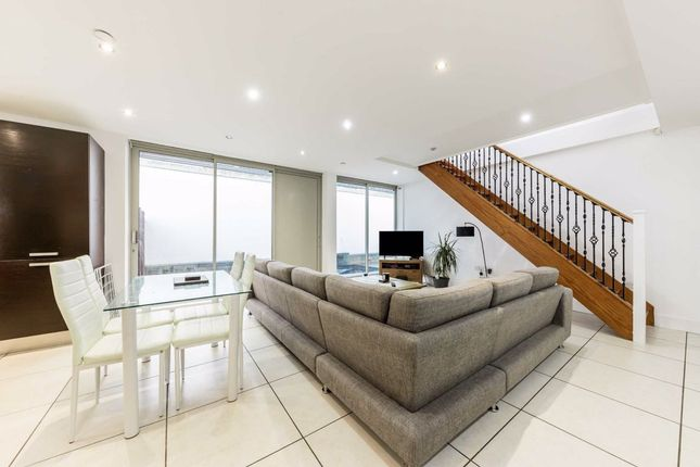 Thumbnail Property to rent in Manuka Close, London