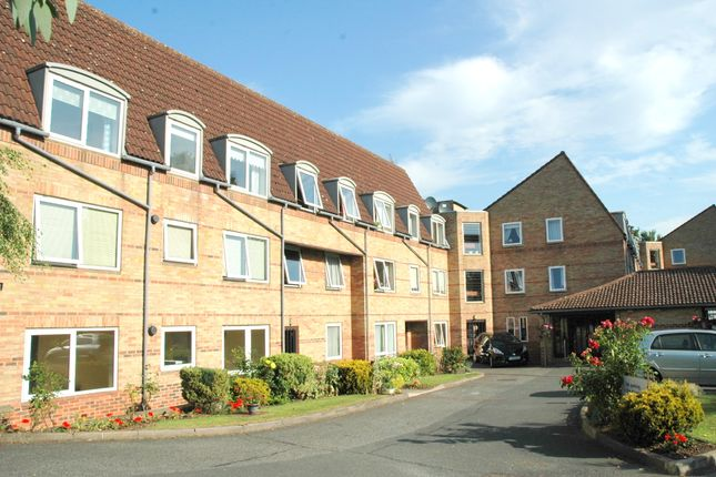 Thumbnail Flat for sale in Homewillow Close, Grange Park