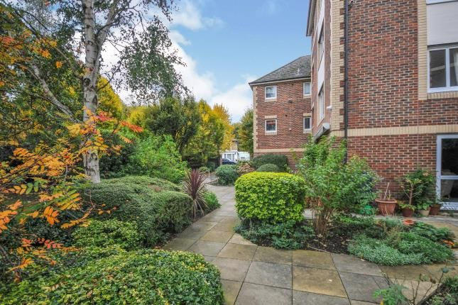 2 bed property for sale in Homewalk House, Jews Walk, Sydenham, London SE26