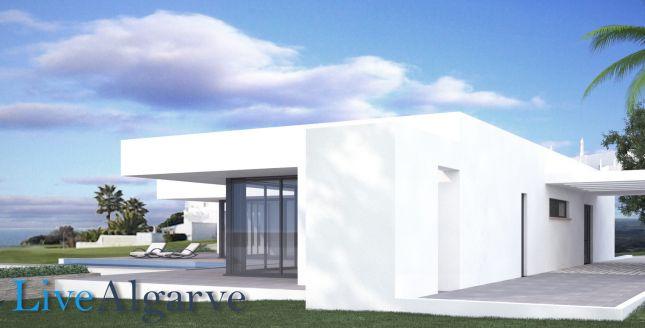 "Elegant Villa Near Golf Resort ""Vale De Lama"", Lagos"