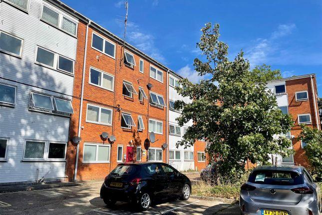Studio to rent in Chevallier Street, Ipswich IP1