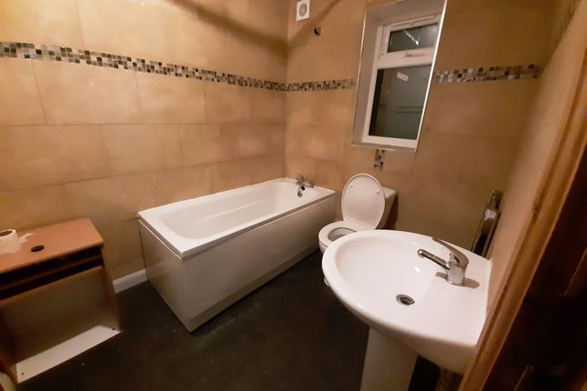 Shared accommodation to rent in Woodlands Road, Cheetham Hill, Manchester