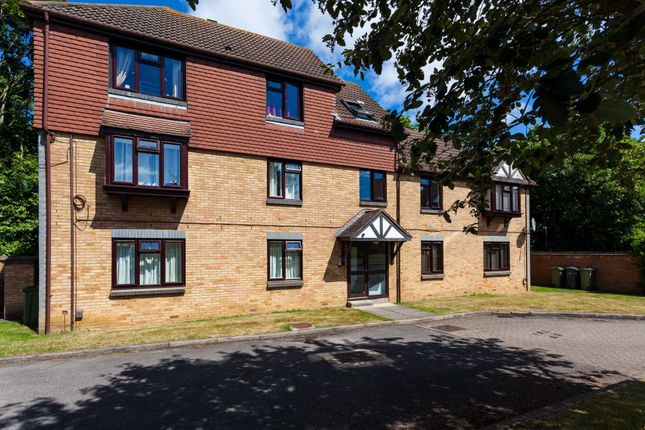Thumbnail Flat for sale in Ladygrove Drive, Burpham, Guildford
