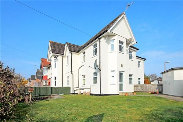 Thumbnail Flat for sale in Alexandra Road, Lower Parkstone, Poole
