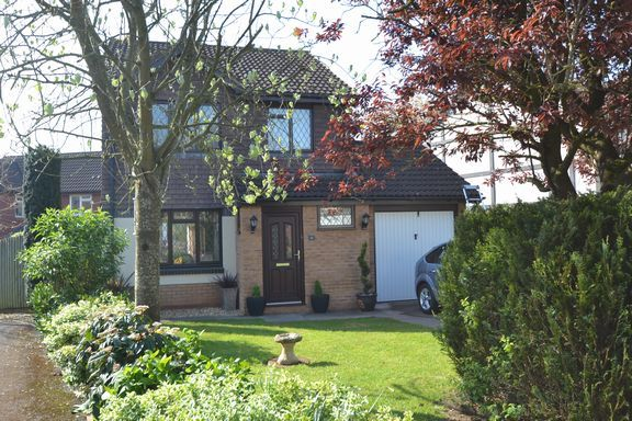 3 bed detached house to rent in Barley Close, Cullompton