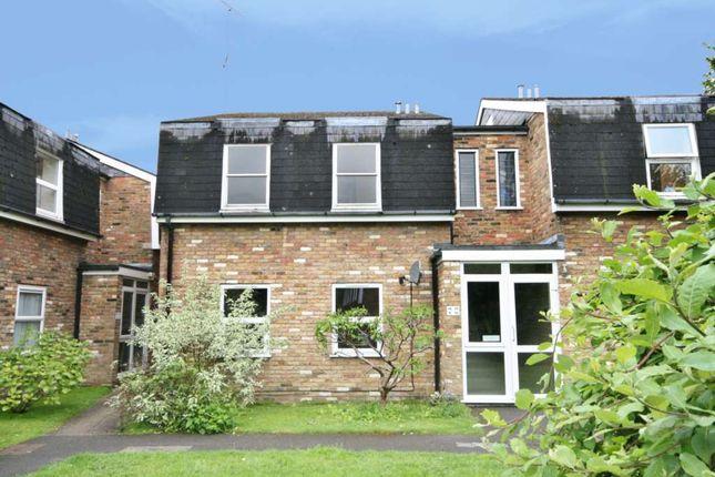 Thumbnail Flat to rent in Mansard Close, Tring
