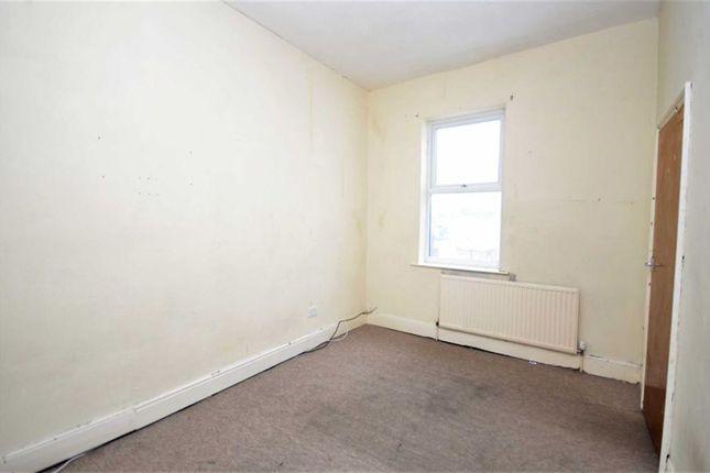 Bedroom of Victor Street, Grimsby DN32