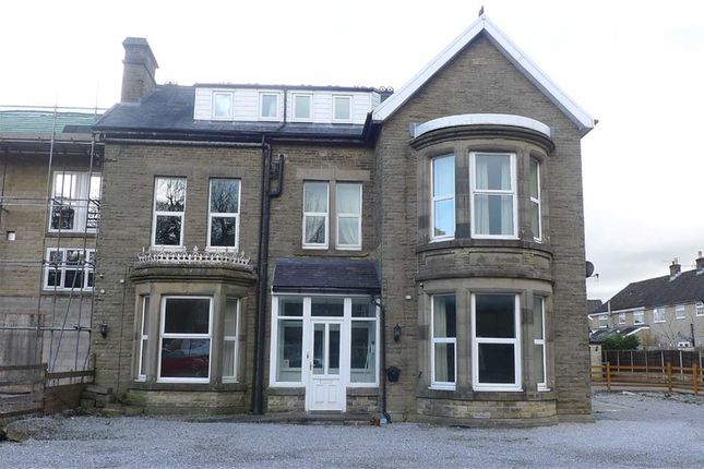 Flat for sale in London Road, Buxton, Derbyshire