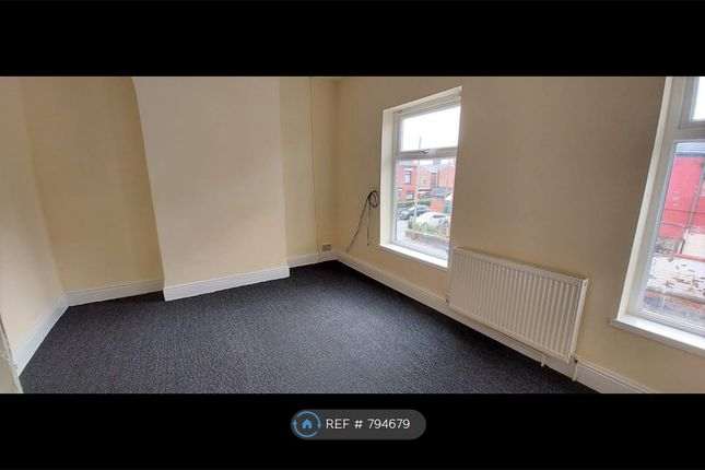 Thumbnail Flat to rent in Oakdene Street, Manchester