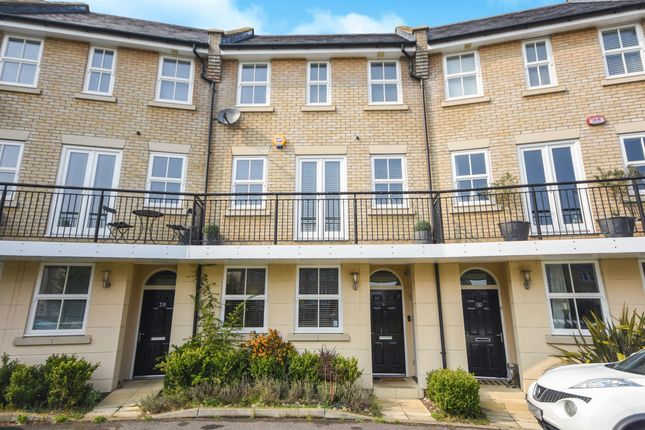 Thumbnail 4 bed town house for sale in Greenland Gardens, Great Baddow, Chelmsford