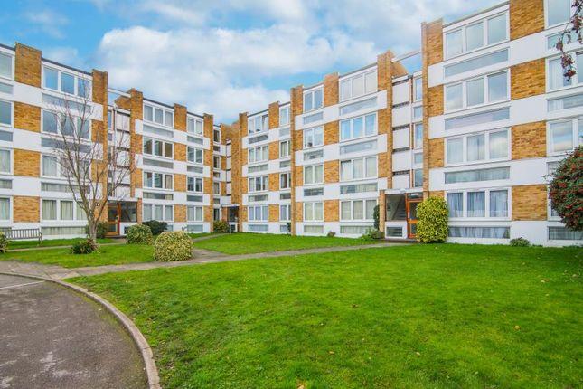 Thumbnail Flat to rent in Kent Road, Kew, Richmond