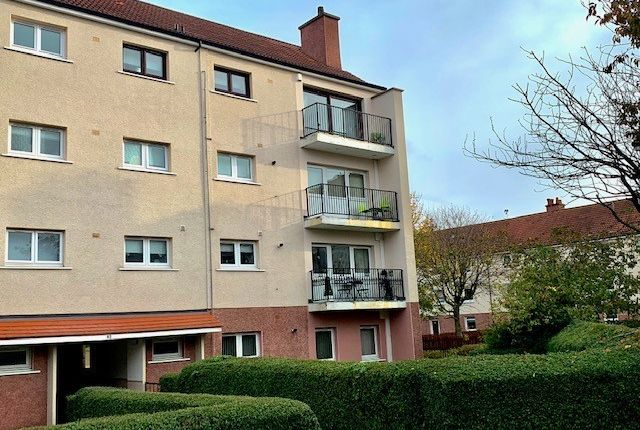 Thumbnail Flat for sale in Edinbeg Avenue, Glasgow
