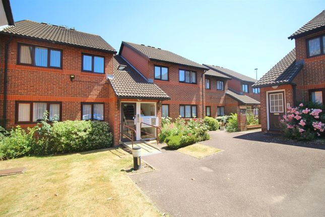 Thumbnail Property for sale in Park Avenue, Enfield