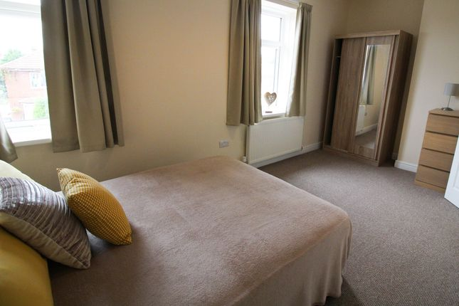 5 bed shared accommodation to rent in Lorne Road, Thurnscoe S63
