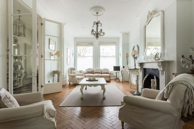 Thumbnail Town house to rent in Elmbourne Road, London