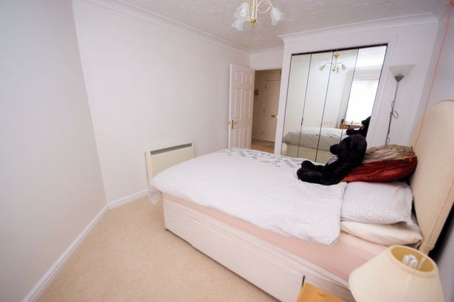 Bedroom of Robinson Court, Beach Road, Lee-On-The-Solent PO13