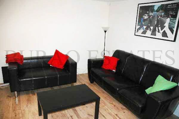 Thumbnail Semi-detached house to rent in Scarsdale Road, Manchester