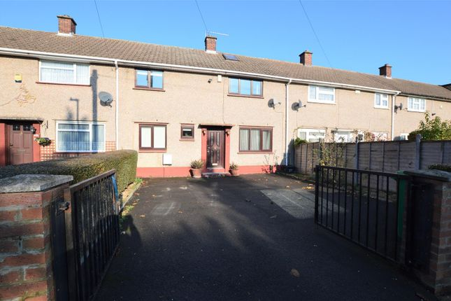 Thumbnail Terraced house to rent in Greenside, Slough