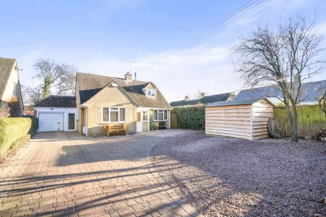 Thumbnail Bungalow for sale in Collin Close, Willersey, Broadway, Worcestershire